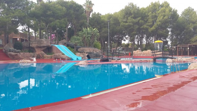 piscina vedat torrent