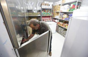 El Hogar Santa Ángela de Silla reparte en su primer año más de 24.000 comidas a familias necesitadas