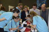 Optometristas y oftalmólogos atienden a más de 500 niños en Burjassot en la campaña 'Abre sus ojos'