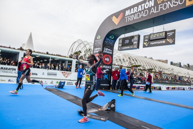 maraton-valencia-trinidad-alfonso-edp-ganadora