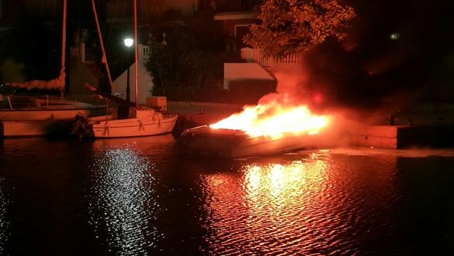 incendio-embarcacion-port-saplaya-alboraya-1