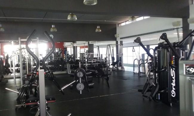 piscina-y-gimnasio-polideportivo-sedavi-1