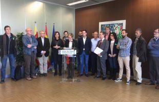 """Ayuntamientos y Generalitat escenifican un frente común contra un proyecto de ampliación de la V-30 """"decimonónico"""""""