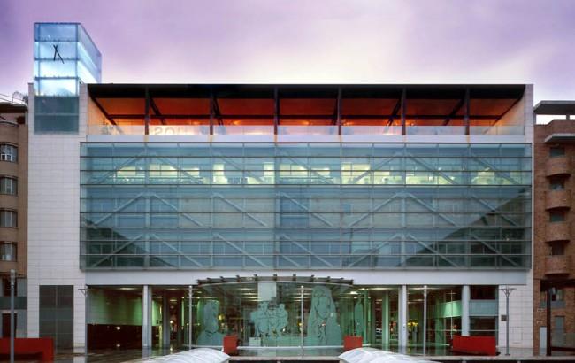 Edificio Metro Torrent