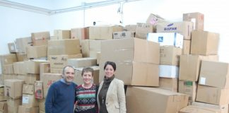 Vecinos de El Puig donan ropa de abrigo refugiados sirios