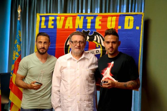 Pedro López y Roger homenajeados en Torrent por el ascenso del Levante UD
