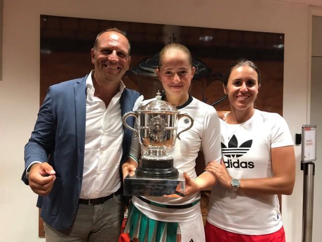 Ostapenko y Anabel Medina Roland Garros 2017 victoria