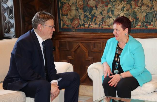 El President de la Generalitat, Ximo Puig, ha rebut en audiència l'alcaldessa de Puçol, Lola Sánchez, al Palau de la Generalitat