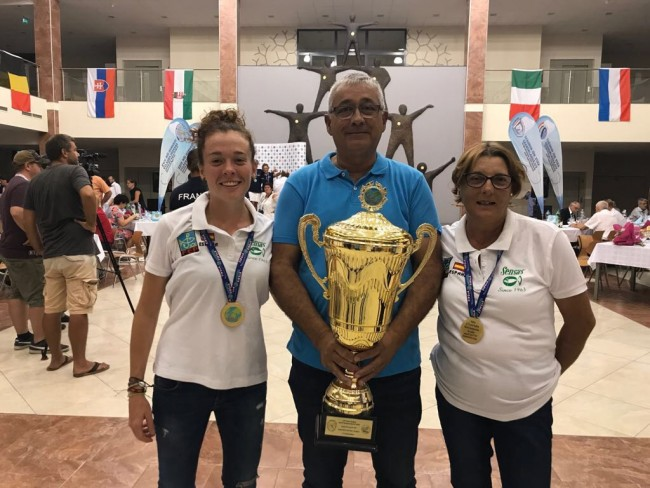 La torrentina Mari Carmen Puchades se proclama campeona del mundo de pesca en agua dulce
