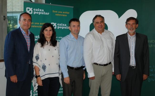 Emilio Sampedro y Rosendo Ortí, presidentes de FEVECTA y Caixa Popular, respectivamente, en la firma del convenio para impulsar el cooperativismo.
