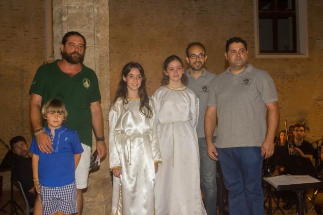 Marta Legidos Marcos i Nerea Zafra Martínez seran enguany les xiquetes que interpretaran el Cant de la Carxofa en honor a la Mare de Déu de l'Olivar i al Crist de la Bona Mort.