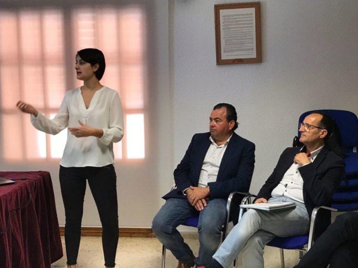 Nofuentes se interesa por el proyecto de viviendas tuteladas de Andilla del Plan de Retención del Talento de la Diputación