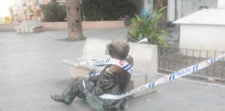 L'estàtua de Vicent Andrés Estellés a Burjassot, de nou per terra