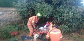 Rescatan a un hombre que había quedado atrapado por una mula mecánica en Calicanto