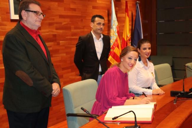 Visita a Torrent de la fallera major de València, Rocío Gil i Uncio