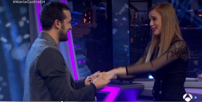 El torrentino José Manuel Villalba le pide matrimonio en directo en El Hormiguero a María Castro