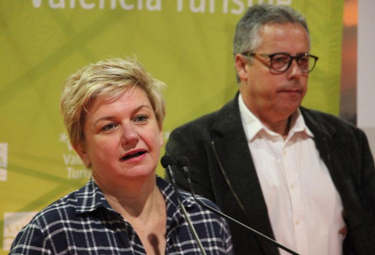 Pilar Moncho, diputada de Turismo, habla sobre el objetivo de De Tros Al plat en la presentación de la nueva edición. Foto: javier Furió