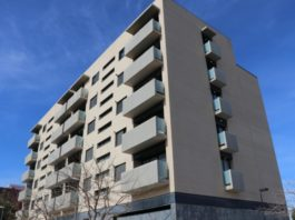 Torrent firma un convenio con Conselleria para facilitar la adquisición de viviendas del inmueble de la calle Maestro Sosa