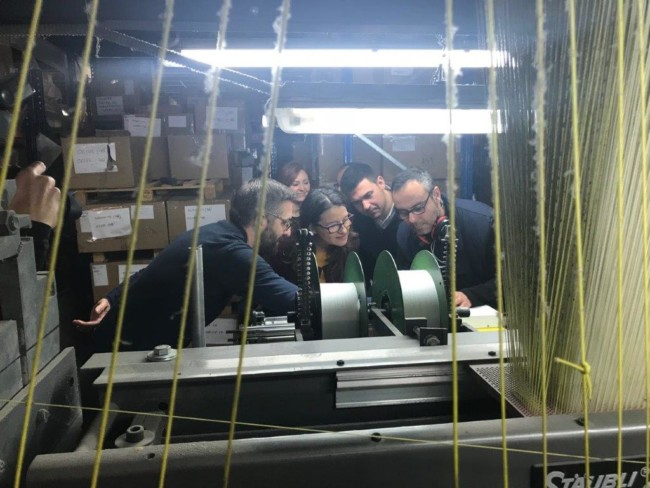 Oltra visita la fabrica Vives y Marí de Xirivella