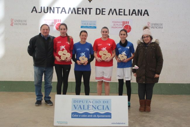Mireia de Massamagrell, Aina de Meliana, Claudia de Tavernes de la Valldigna i Eva de Meliana campiones de l'Autonòmic de raspall individual