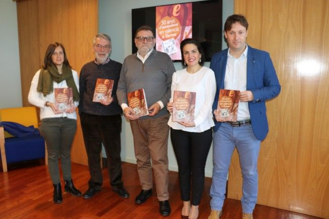 30 anys d'ensenyament en valencià
