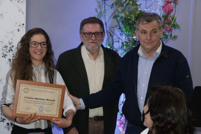 Cristina Martínez recoge el premio Mujer Atenea 2018 de Torrent