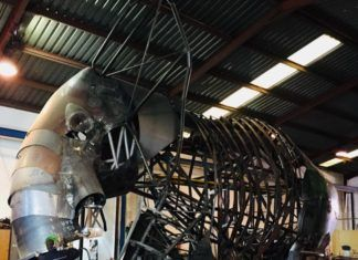 Un gigantesco elefante construido en Catarroja presidirá la entrada de Bioparc Valencia