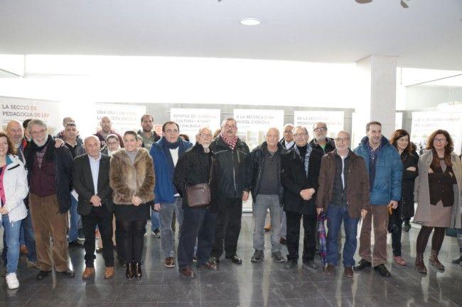 Una exposició en l'IES Veles e Vents recorre els 50 anys de la presència del valencià a l'escola