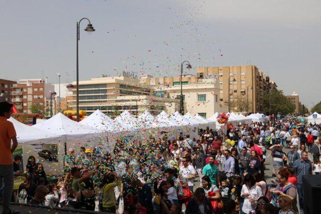 Miles de personas visitan la Feria del Comercio y Gastronómica de Quart de Poblet