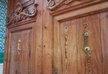 Roban las aldabas de la puerta de entrada del Museo de Cerámica de Manises