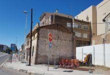 Foios inicia l'enderrocament de la casa en ruïna de la Carretera de Barcelona