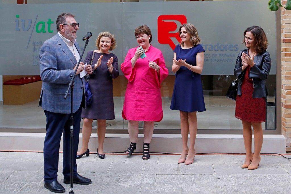 Inauguradas las nuevas oficinas de torrent de los for Oficinas del registro de la propiedad