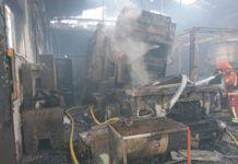 incendio taller quart de poblet bomberos