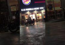 La Policía busca a los dos asaltantes de una hamburguesería de Manises