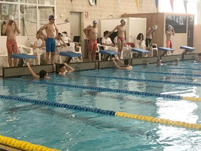 la piscina del polideportivo de picassent recupera las