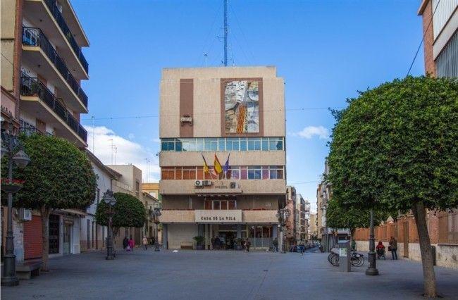 plaza-del-ayuntamiento-de-mislata