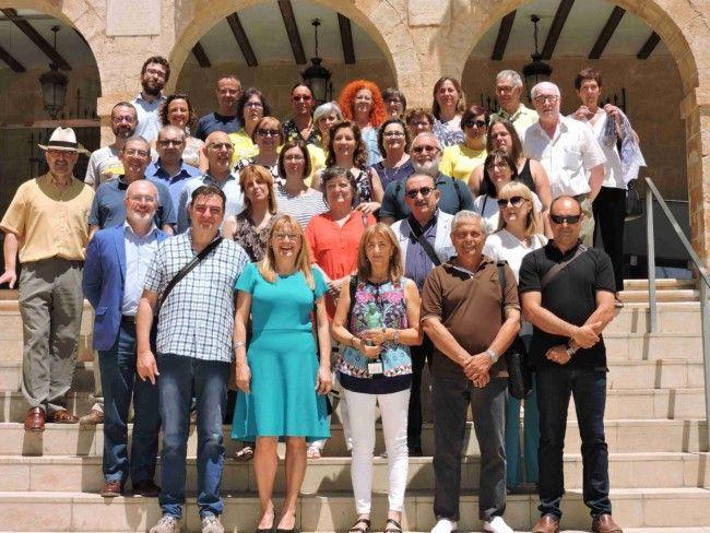 Dolors Monferrer Ferrando rep el Premi d'honor Ciutat de Dénia per a la Formació de Persones Adultes en reconeixement a la seua vocació i compromís amb l'educació permanent