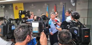 Delegado del Gobierno CV Juan Carlos Fulgencio atendiendo a los medios