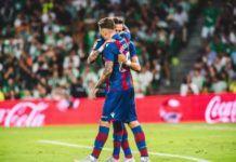 Roger Martí, del Levante, marca el primer gol de la temporada