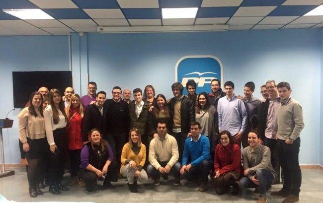 Los jóvenes del PP de l´Horta Nord se suman a la campaña #EscribiendoUnfuturo