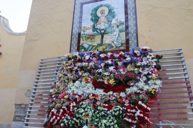 Ofrena en honor a la Mare de Déu de L'Olivar Alaquàs