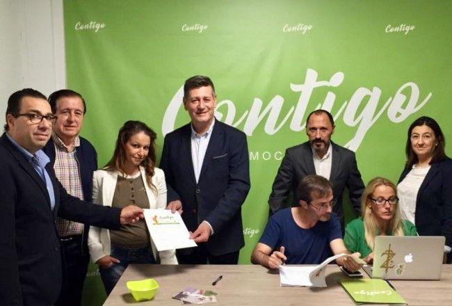 Aguar candidato en Valencia entrega avales