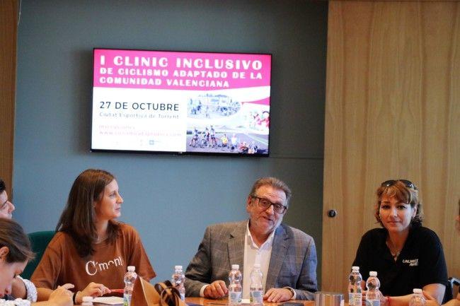 Torrent acoge el primer encuentro inclusivo de ciclismo adaptado de la Comunitat Valenciana