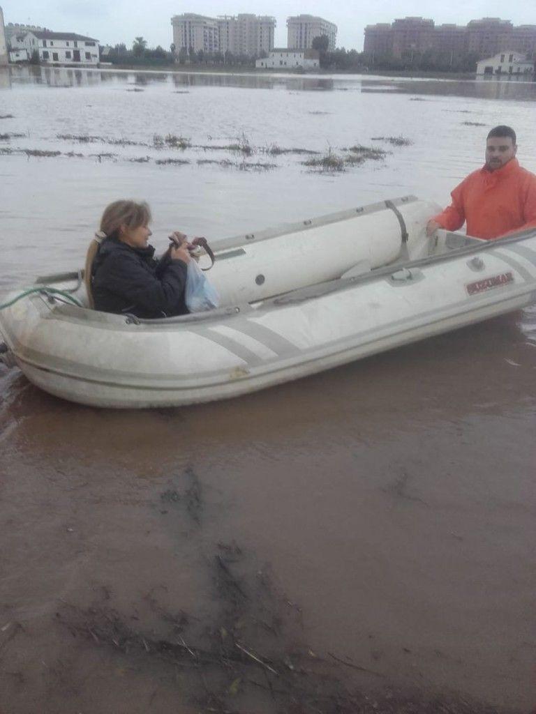 alboraia rescate barca conductores lluvias