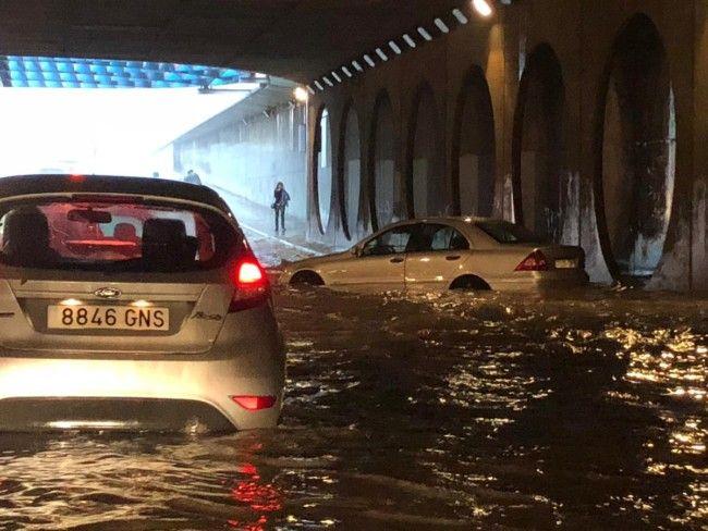 lluvia Valencia túnel de la ciudad
