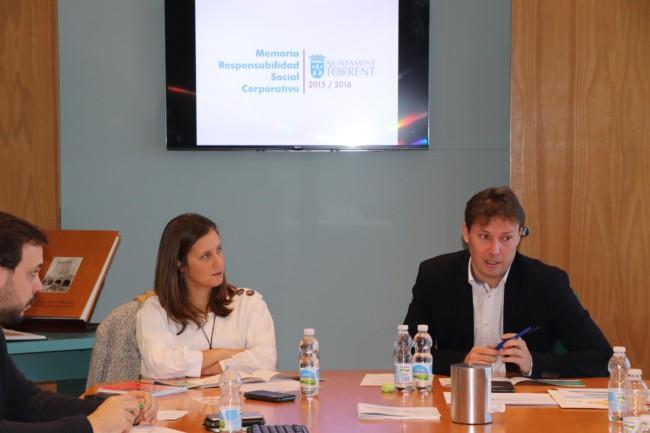 Andrés Campos y Susi Ferrer en rueda de prensa de RSC
