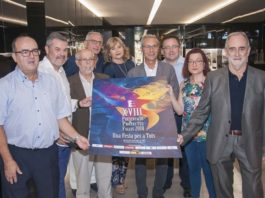 Miembros de la Federación de Fallas de Especial presentan el cartel de la última edición del evento 'Una Festa per a Tots'. Foto: fallasdeespecial.com