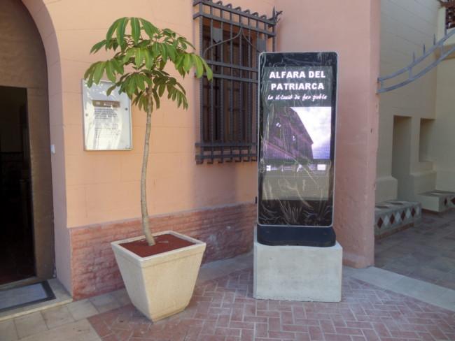Tótems informativos Mancomunitat del Carraixet en Alfafa del Patriarca