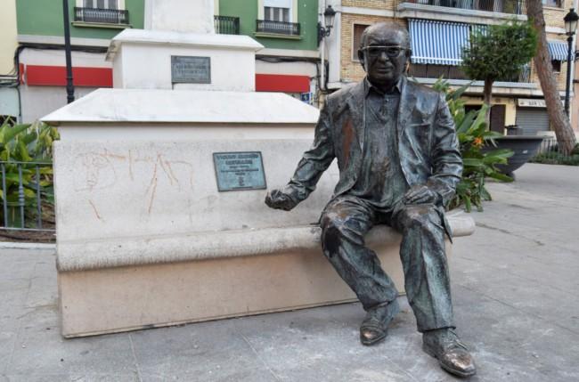 Vicente Andres Estelles escultura Burjassot