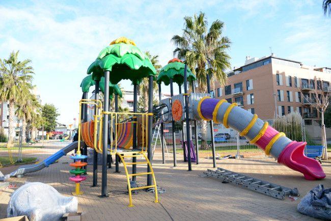 Paiporta Empieza La Instalacion De Nuevos Juegos Infantiles
